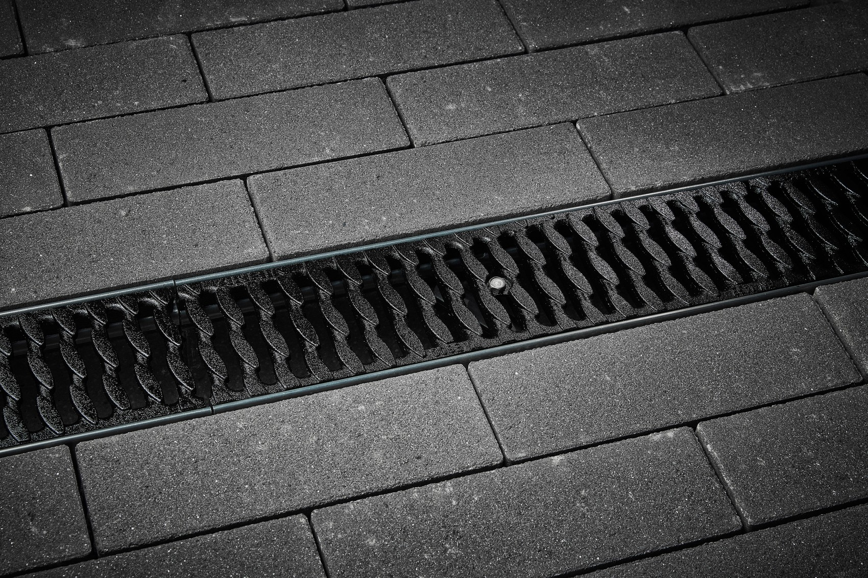 Slotted grating OvalGrip Design